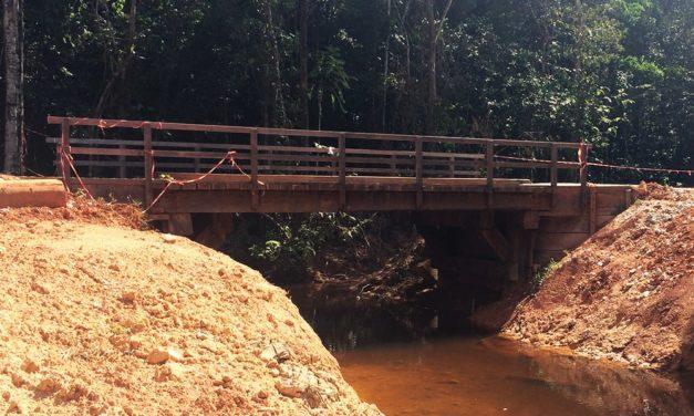 Construction d'un pont bois Forestier sur la piste de risquetout